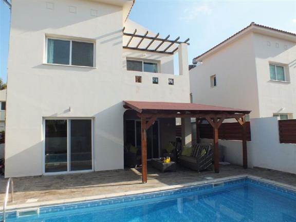 REF:  ASG30 RENTED 3 bed villa with log fire Ref:  ASG €850pcm