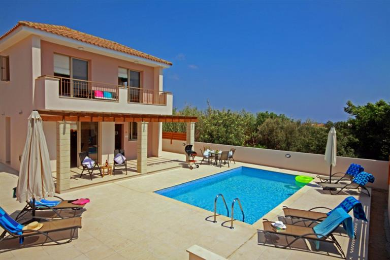 3 bedroom Villa, with Jacuzzi bath & Private Pool REF:  MV11- Weekly Holiday Rental