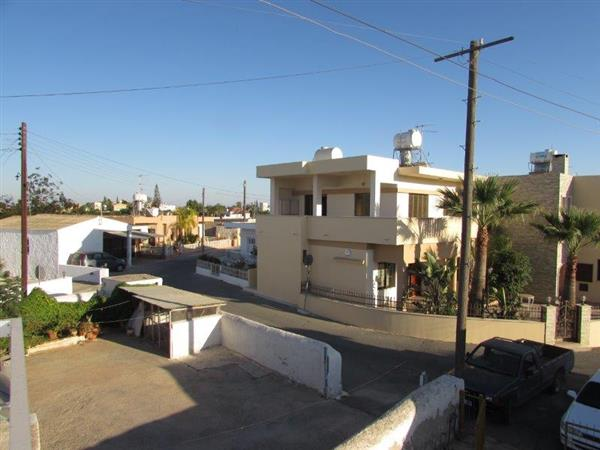 RENTED! REF:  FTA3B.  Traditional Village Top Floor Apartment.  Freneros 3 Bed only €450pcm