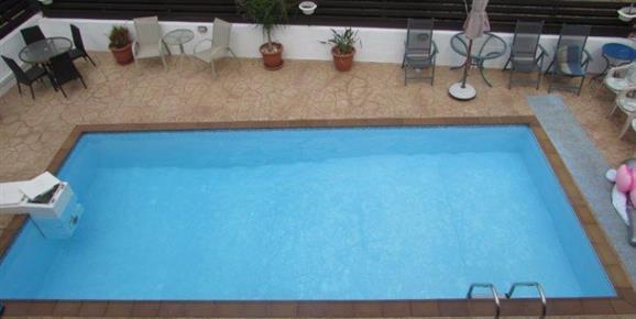 ASTH51 Communal Pool between 4 houses