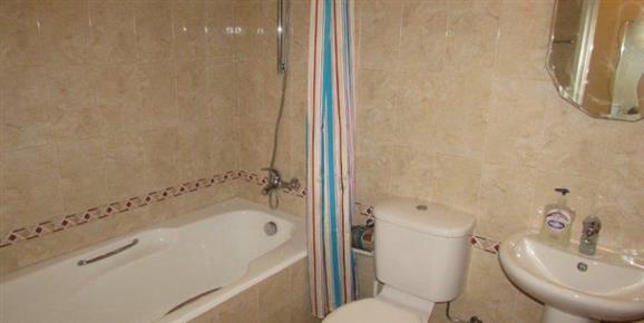 ASTH51 Family Bathroom