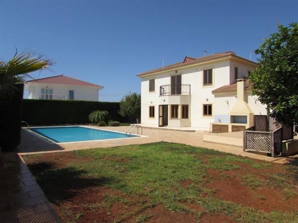 REF:  SK67 Large Unfurnished Three Bedroom with Private Pool, underfloor heating and central vacuum.