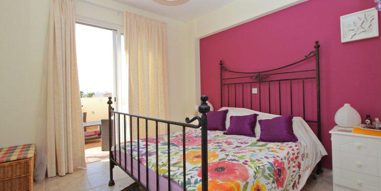 8 CHN112 Bedroom