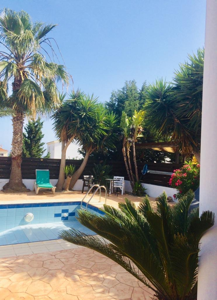 REF:  TGV13 Two bed Furnished Villa, Private Pool, with great outside area  €925PCM 12 month rental