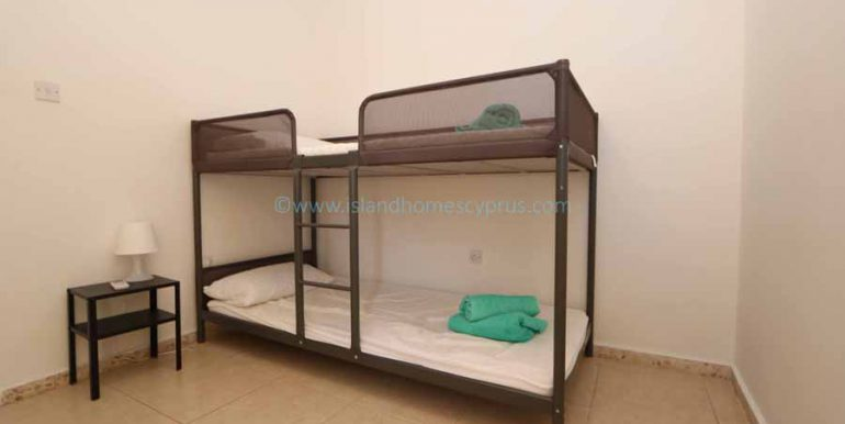 13 FMn127 bed 2