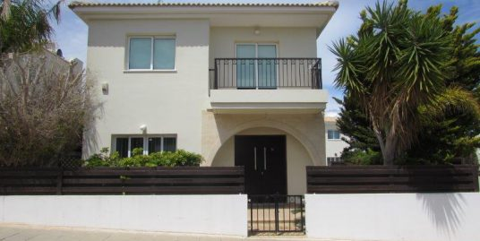 REF:  XV14 Furnished Two bed Detached House with private Pool €600.00 pcm
