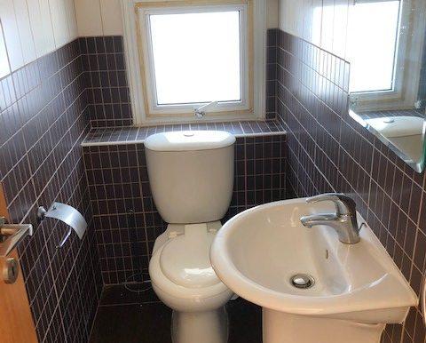 FV2 Guest WC