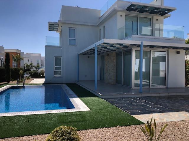 REF:  MLVH28 – Three bedroom Detached Villa Cape Greko, Konnos Bay €1900pcm